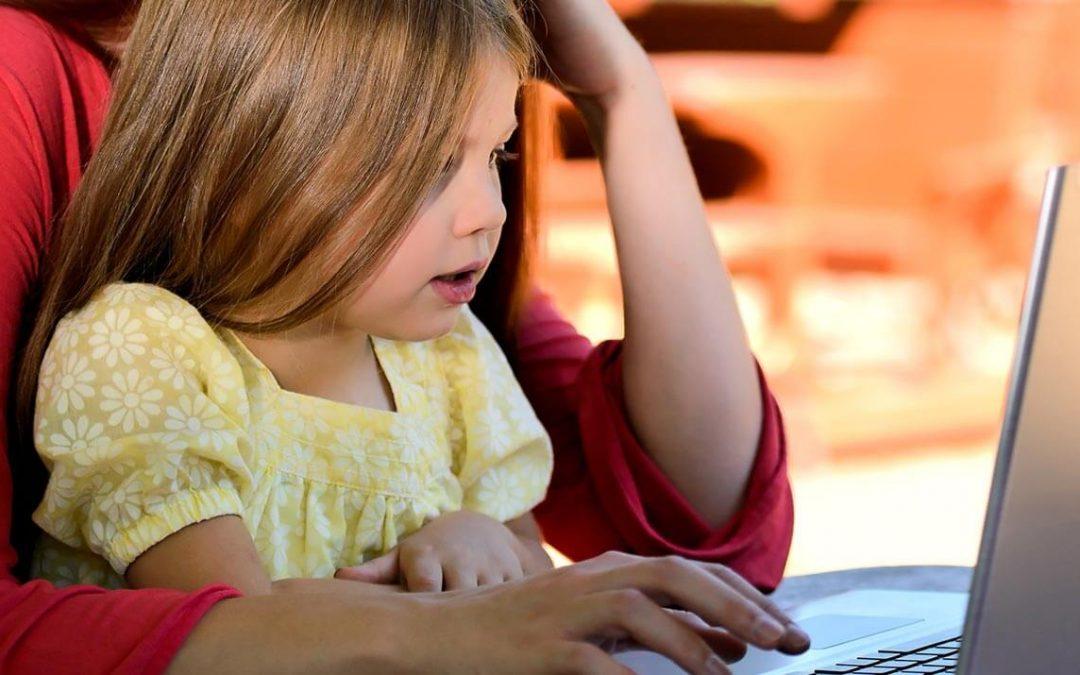 ADT alerta para cuidados com a exposição dos filhos pequenos nas redes sociais